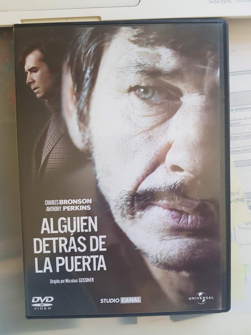 Alguien Detras De La Puerta/ v původním znění/DVD plast